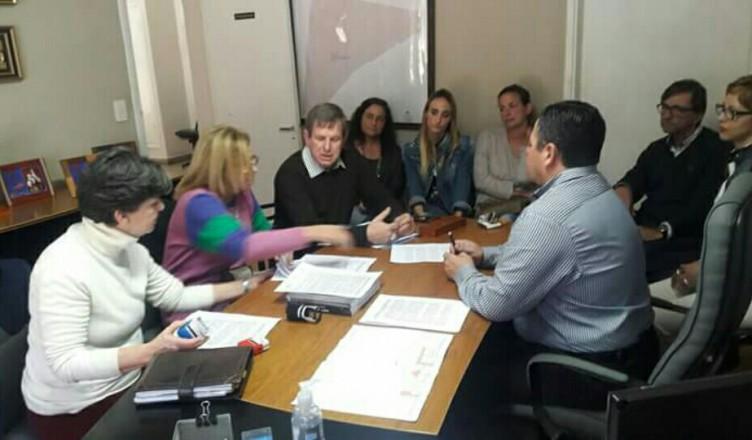 firma de convenio de colaboraciÓn y digitalizaciÓn comunal en centeno | CAd2