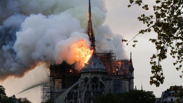 francia lanzará un concurso internacional de arquitectos para la reconstrucción de la aguja de notre dame   CAd2